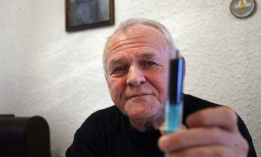 Wyleczył 5000 ludzi z raka. Ma receptę na 90-dniową terapię.
