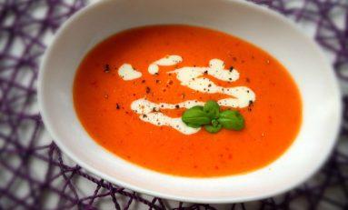 Pyszna zupa krem z czerwonej papryki