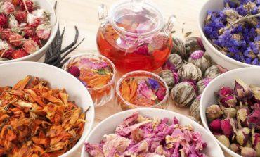 Jak zrobić zdrowe, domowe i pięknie pachnące perfumy