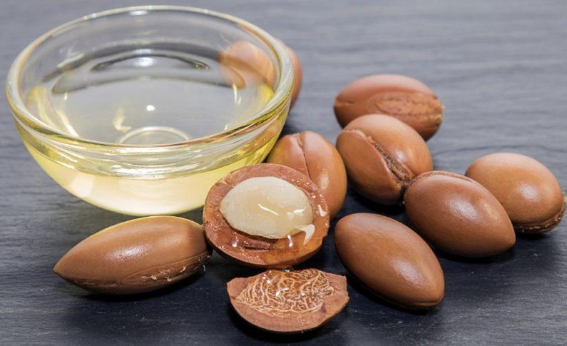 Olej arganowy – wspaniały kosmetyk do twarzy, ciała i włosów