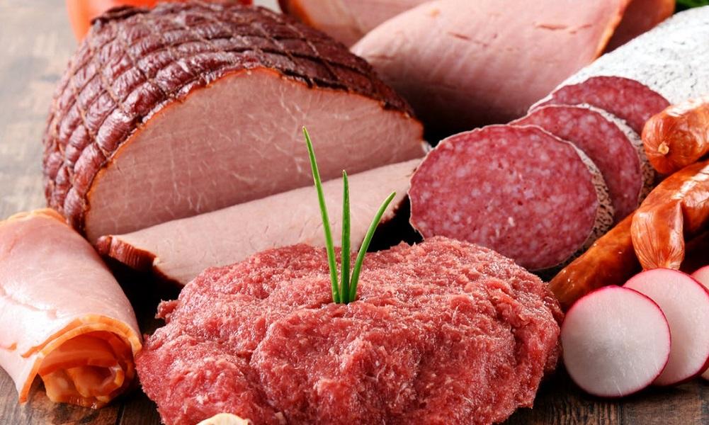 Duża ilość przetworzonego mięsa może zwiększyć ryzyko zachorowania na raka