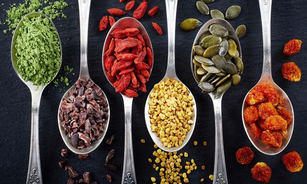 Koktajle oczyszczające – jakie najlepsze superfoods możesz do nich dodać?