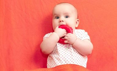 Mój maluch ząbkuje - mini poradnik dla początkujących rodziców